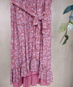 vestido floral, parte inferior, elástico bajo pecho y cinturón